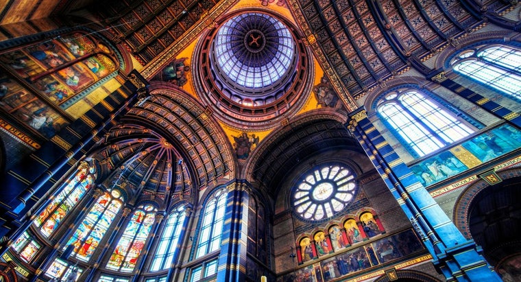 What Are Some Popular Stained Glass Designs?