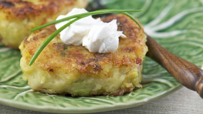 What Is the Paula Deen Recipe for Potato Cakes?
