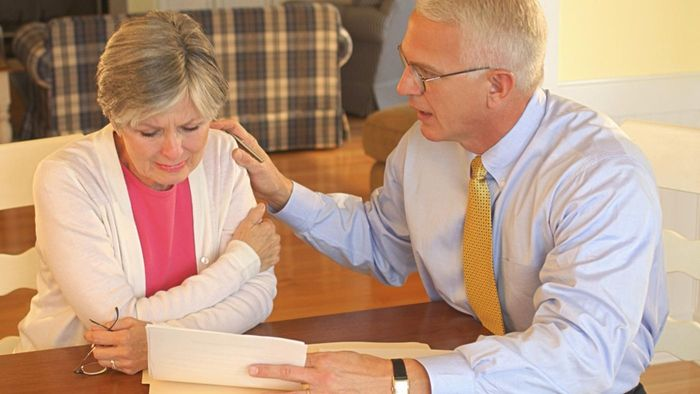 How Can Seniors Get Free Legal Advice?