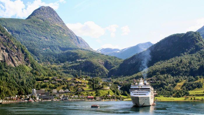 What are some cruises that go to Norway?