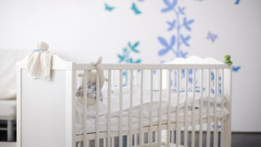 What Are the Standard Crib Dimensions?