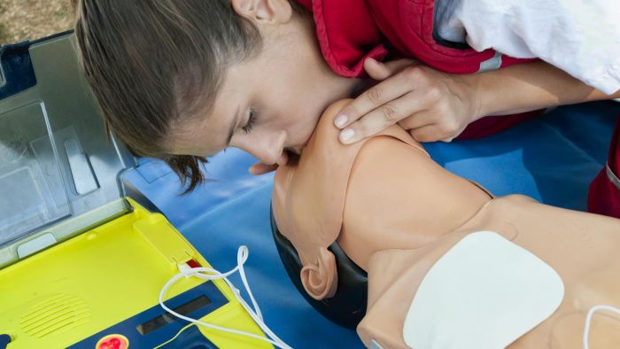 Where Can You Find Some Free CPR Certification Classes?