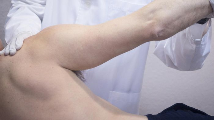 How Is a Full Shoulder Replacement Performed?