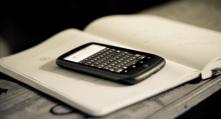 What Are Some Popular Smart Phones?