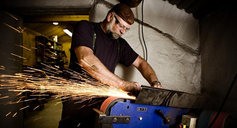 What Are Some Machinist Trade Schools?