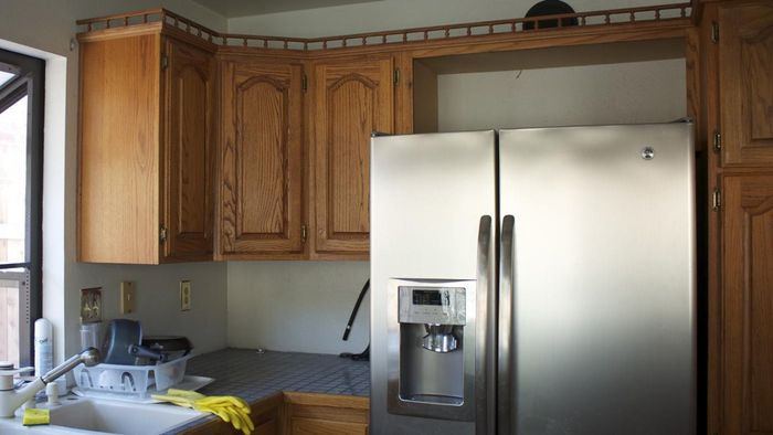 How Do You Refinish Old Kitchen Cabinets?