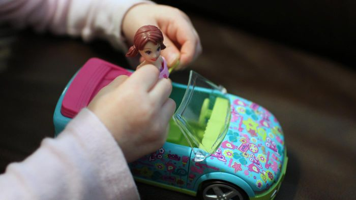What are some of the Polly Pocket games you can buy?