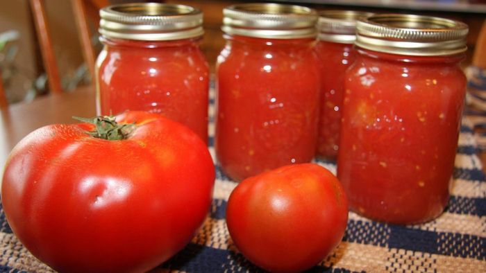 What Are Some Easy Ways to Can Tomatoes?