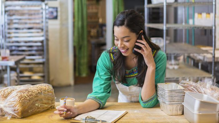 How Do You Choose a Phone Plan for a Business?