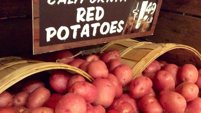 What is a recipe that uses red potatoes?