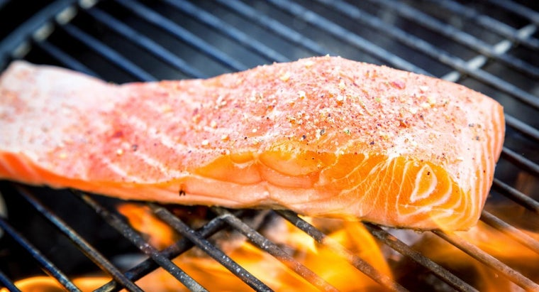 What Are Some Easy Grilled Salmon Recipes?