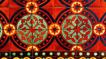 How Do You Create Decorative Mosaic Tile Patterns?