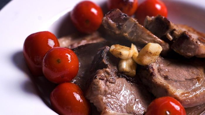 What Are Easy Lamb Chop Recipes?