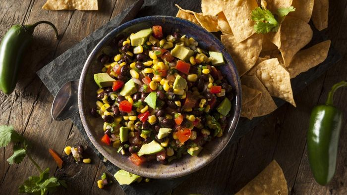 What is an easy recipe for corn and black bean salsa?