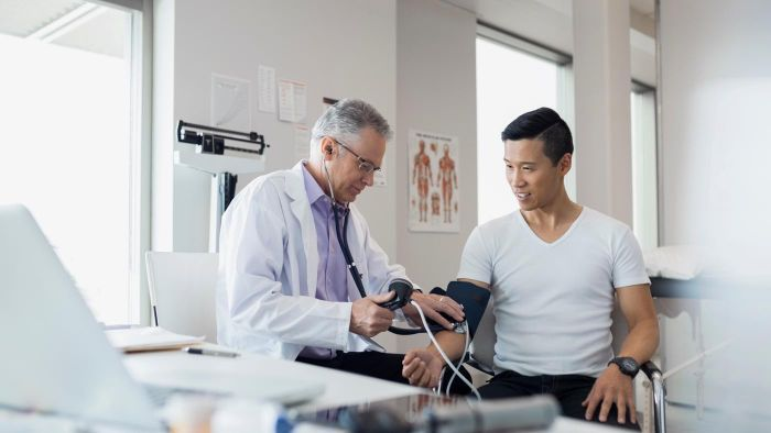 What Are Physicians That Specialize in Diabetes Called?