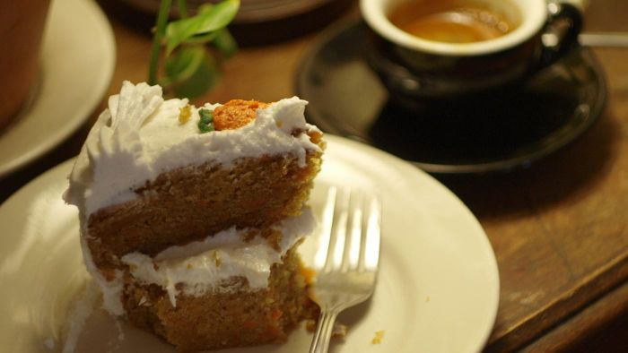 What Is a Good Recipe for Spice Cake?