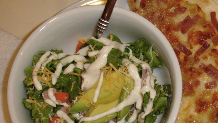 What Is an Easy-to-Follow Recipe for Ranch Dressing?