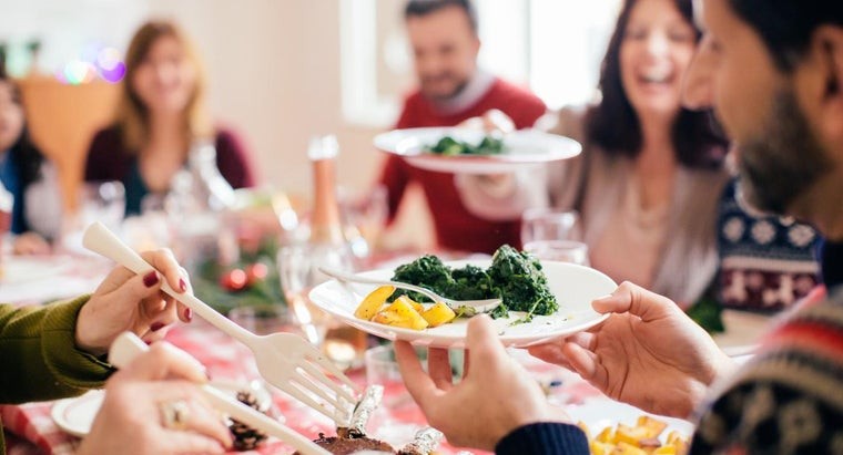 What Are Some Simple Recipes for a Holiday Dinner Menu?