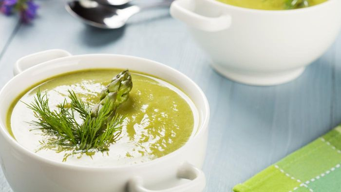 What Is a Good Recipe for Asparagus Soup?