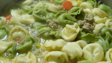 What Is an Easy Recipe for Cheese Tortellini Soup?