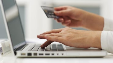 How Do You Check Your Bank Balance With an Online Bank Account?