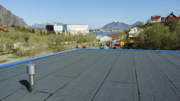 What Are Good Materials for Flat Roofs?
