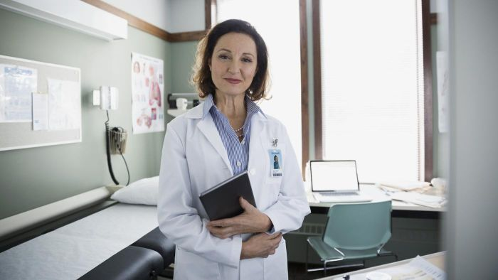 How Many Female Family Doctors Are There in America?