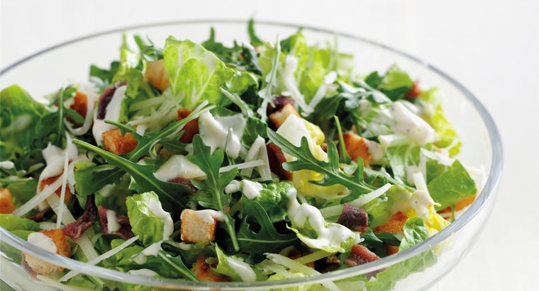 What Are the Main Ingredients in Simple Caesar Salad Recipes?