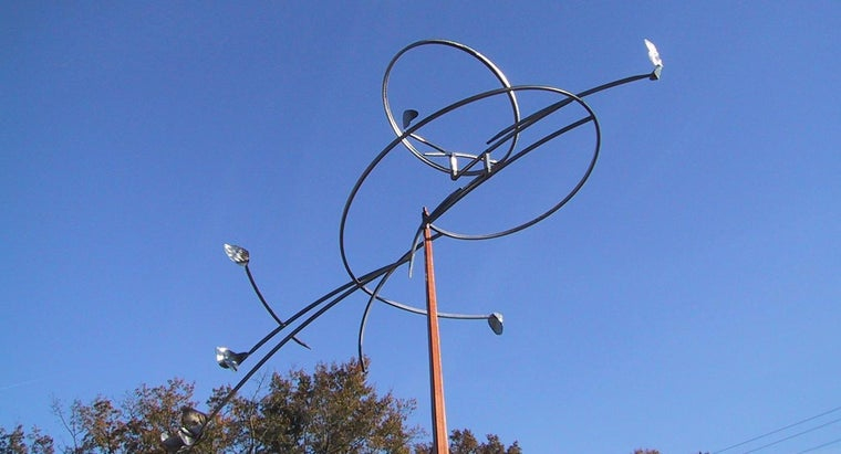 What Are Some Attractive Outdoor Metal Art Options?