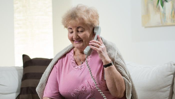 How Do You Get Phone Service for a Low-Income Home?