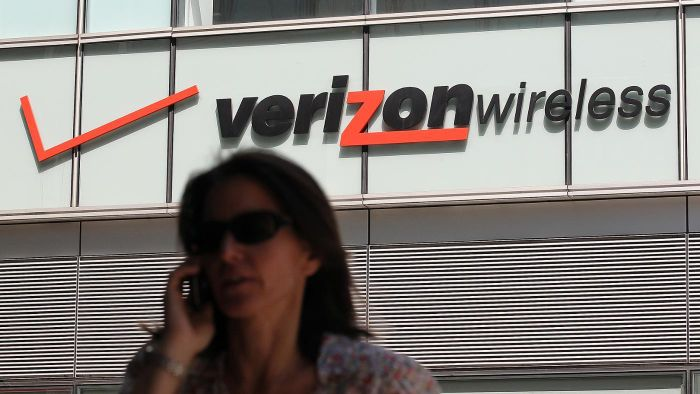 How do you add minutes to a Verizon Wireless cellphone?