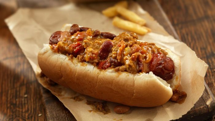 What is an easy recipe for hot dog chili?