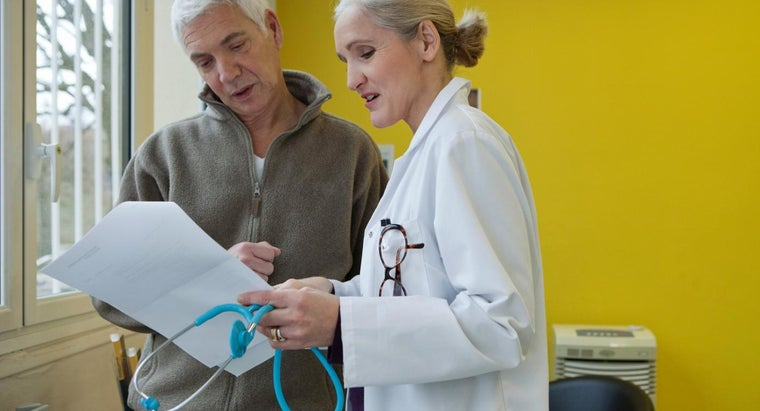 What Are the Symptoms of Bilateral Renal Cysts?