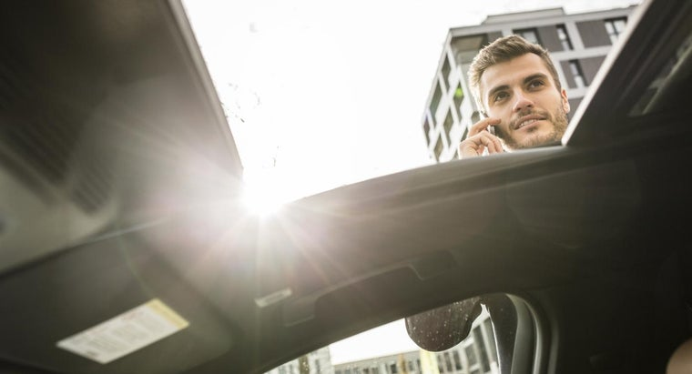 How Do You Repair a Sunroof in an Automobile?