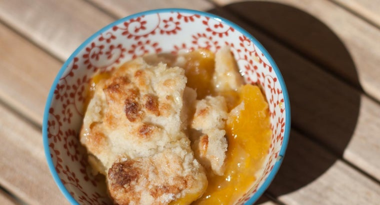 What Is a Quick Recipe for Bisquick Peach Cobbler?