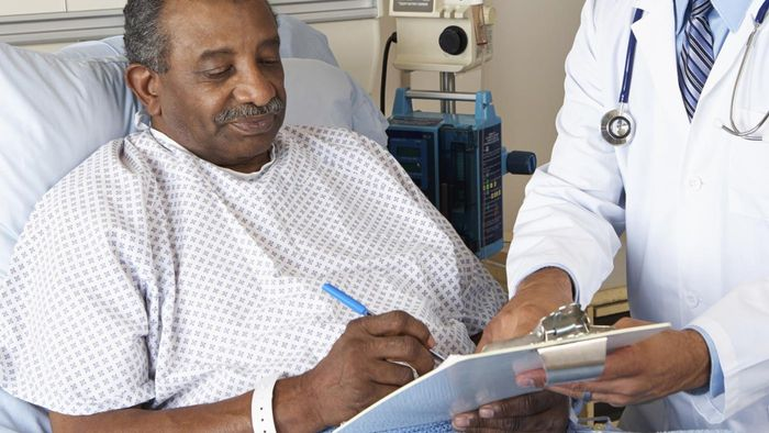 """When Should a Patient Sign a """"Do Not Resuscitate"""" Form?"""