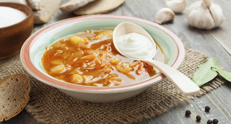 What Is a Recipe for Stuffed Cabbage Soup?