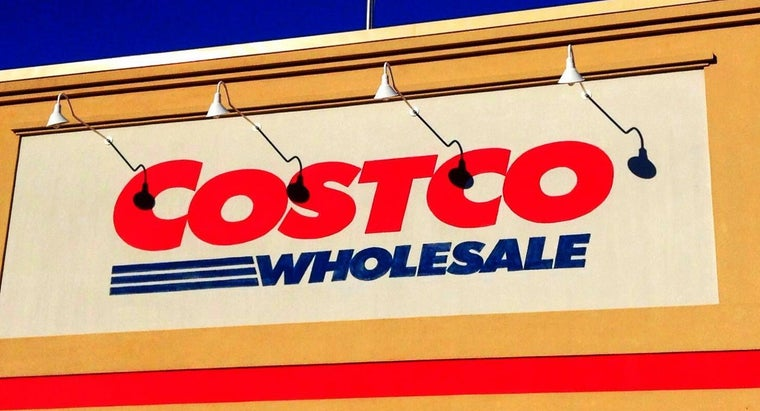 What Brands of Car Batteries Does Costco Carry?