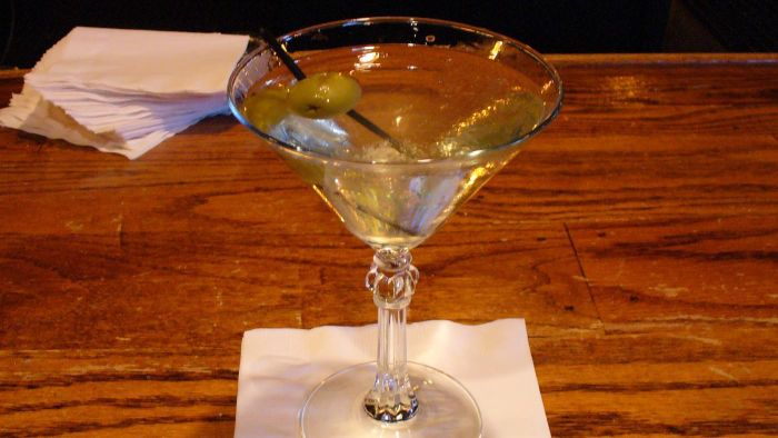 What Are Some Good Dirty Martini Recipes?
