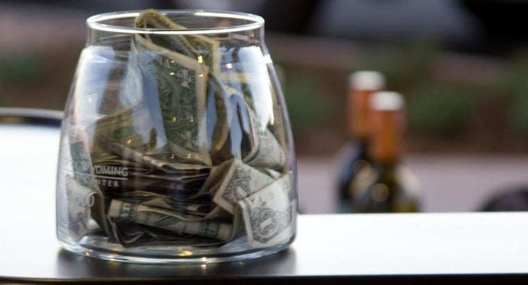 What Are Some Common Guidelines for Tipping?