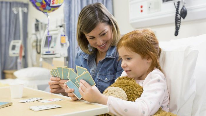 What Are Some Games Children Can Play While in the Hospital?
