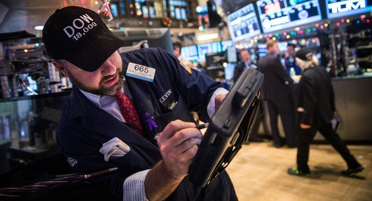 What Information Is Included on the DOW Jones Industrial Average ETF List?