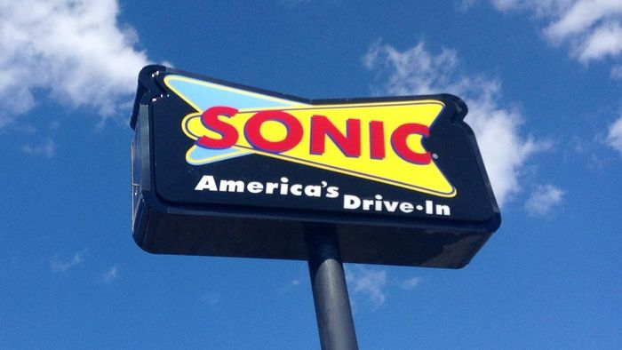 Is the Sonic Drive in Open on Weekends?