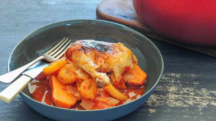 What Is an Easy Recipe for Chicken With Apricot Sauce?