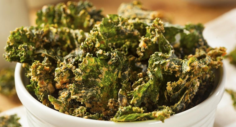 What Is a Good Recipe for Baked Kale Chips?