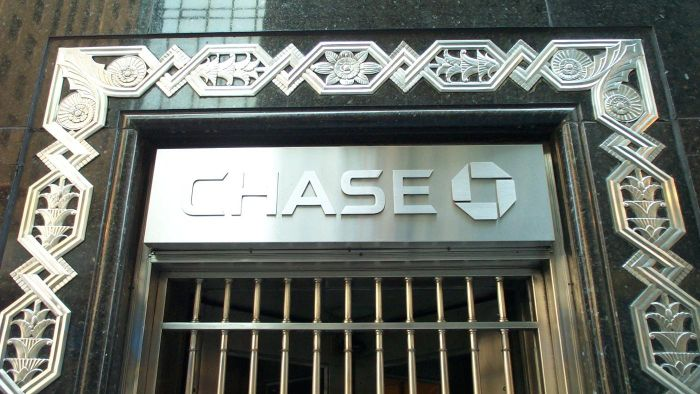 Where Can You Find a List of the Top 10 Banks in the United States?