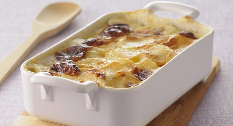What Is a Tasty Recipe for Cheesy Potatoes?