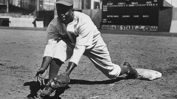 What are some Jackie Robinson facts for kids?