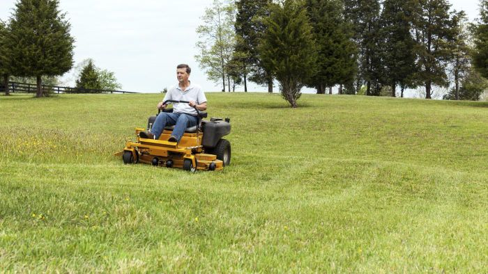 What Are Some Good Commercial Zero-Turn Mowers?