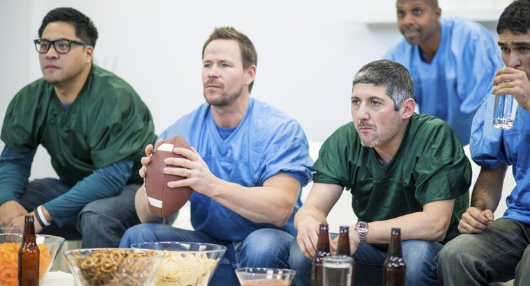 How Do You Watch the Super Bowl Live?